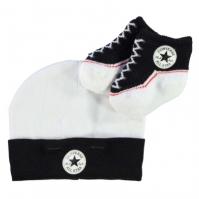 Set cadou caciulita si sosetute Converse pentru Bebelusi negru