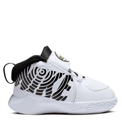 Pantof sport Nike Team Hustle D 9 / bebelus bebelus